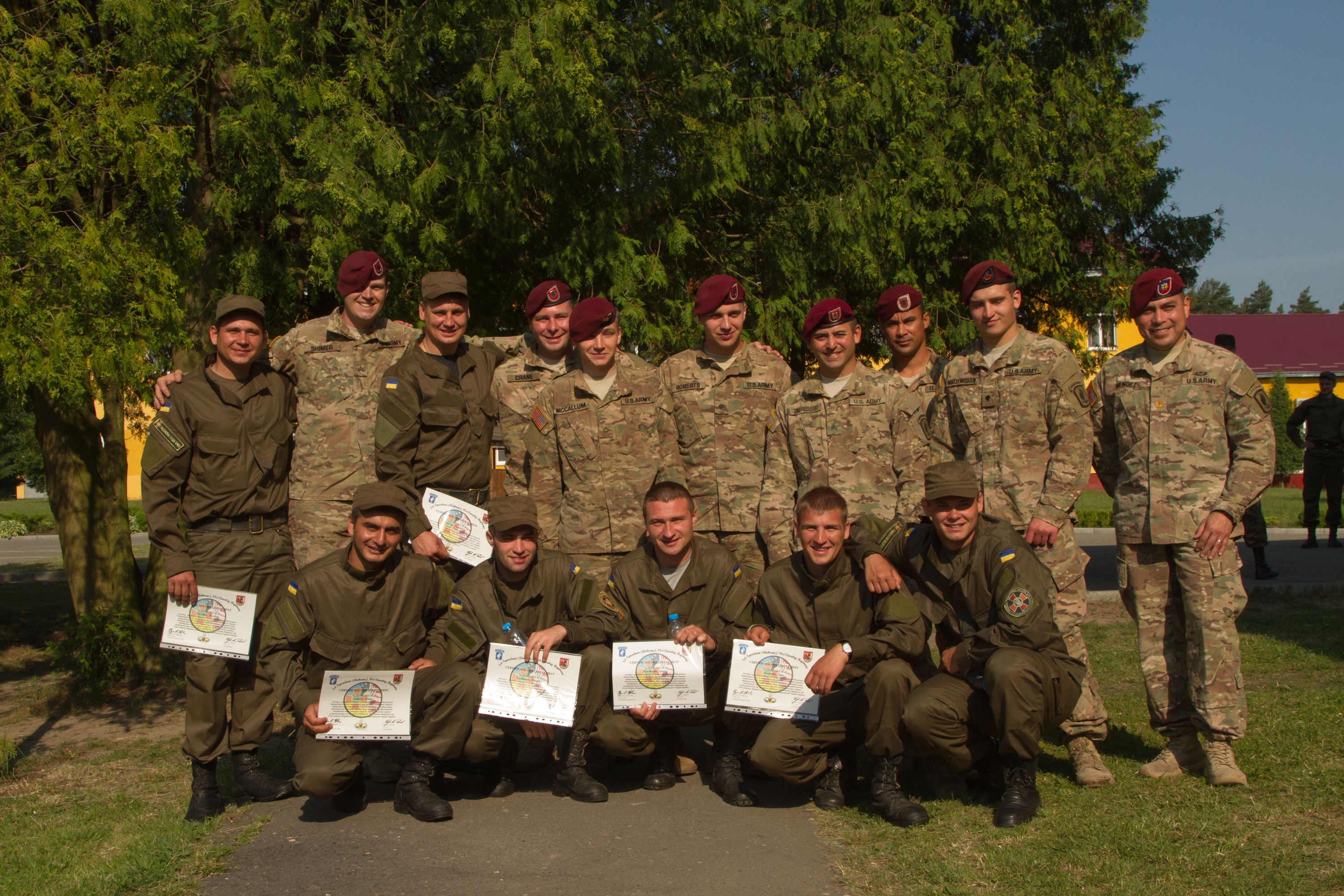 First Ukranian troops complete Fearless Guardian