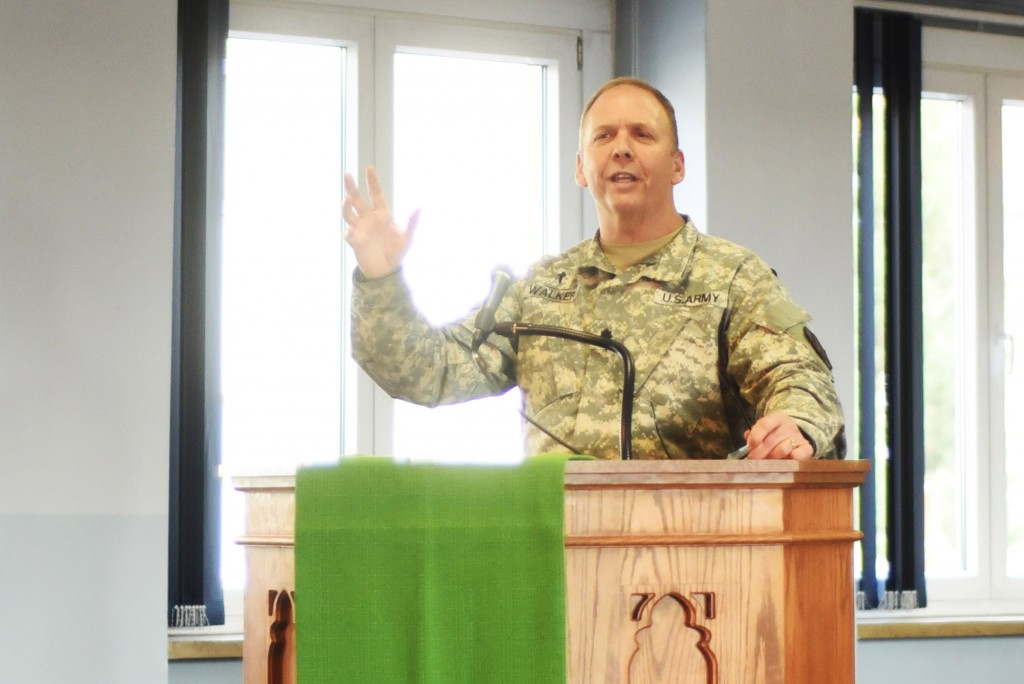 Chaplain (Lt. Col.) Robert Kent Walker reminds those gathered of the many benefits of giving thanks regularly and challenges all to cultivate community centered around the attitude of gratitude. (U.S. Army photo by Stephen Baack, USAG Ansbach Public Affairs)