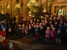 Ansbach Elementary School sings, shines light into Rothenburg