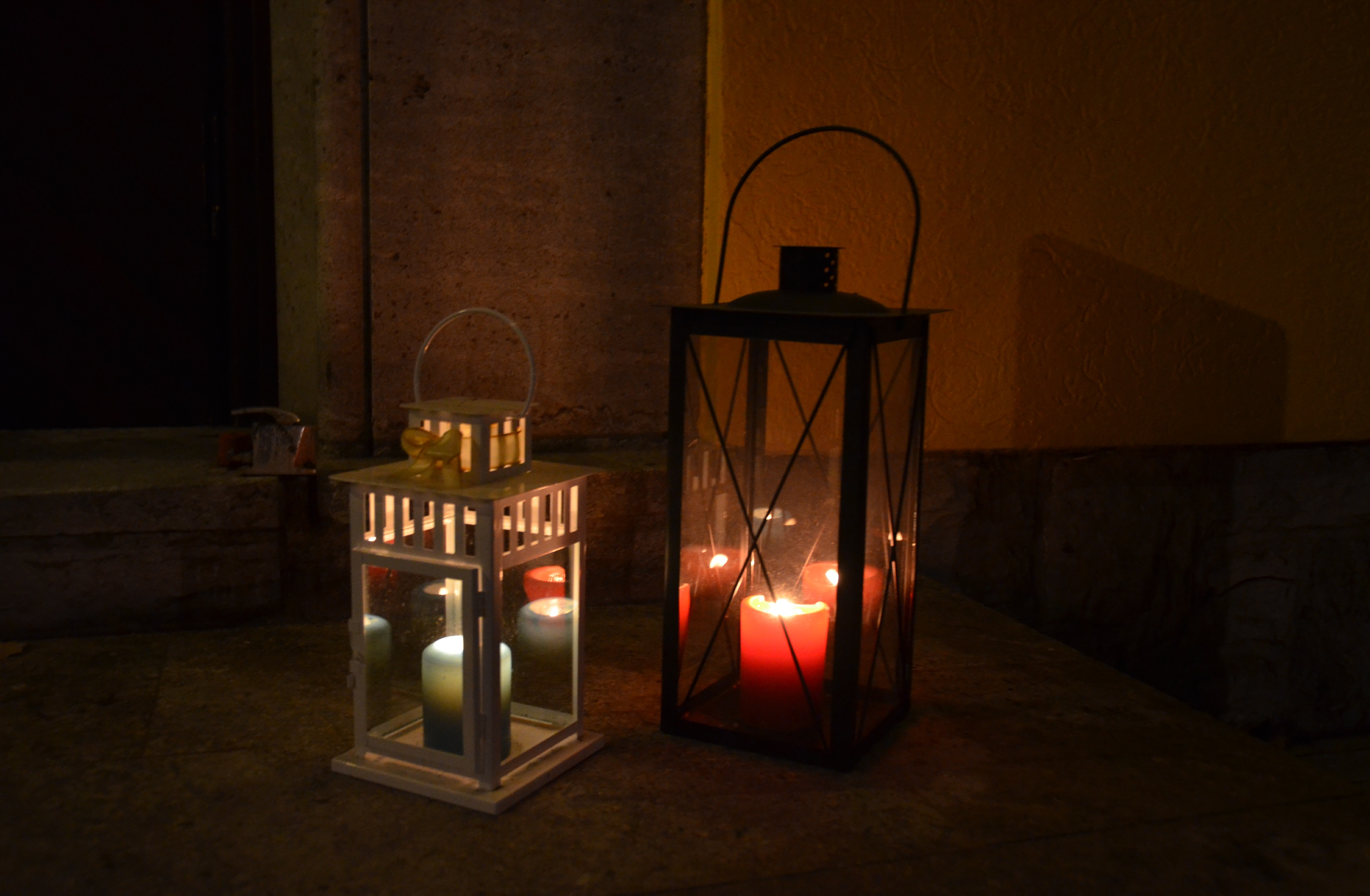 Candles at night (Photo: Bianca Sowders)
