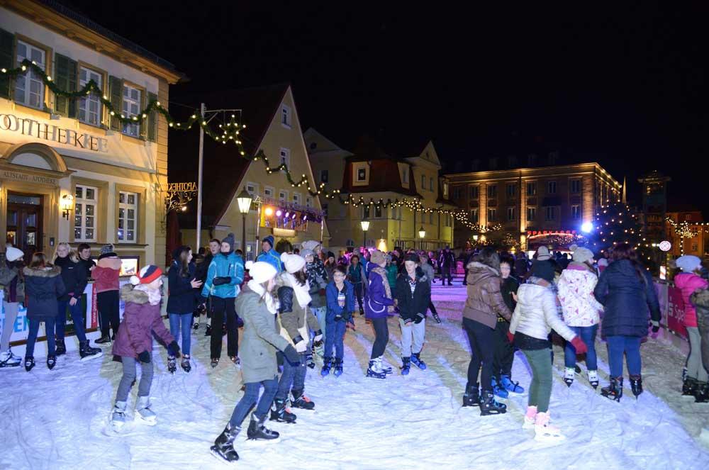 The Gunzenhausen ice rink is open until Jan. 8 (Photo: eisbahn.de)