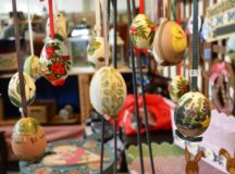Hand-painted Easter eggs at a bazaar (Photo: Bianca Sowders)