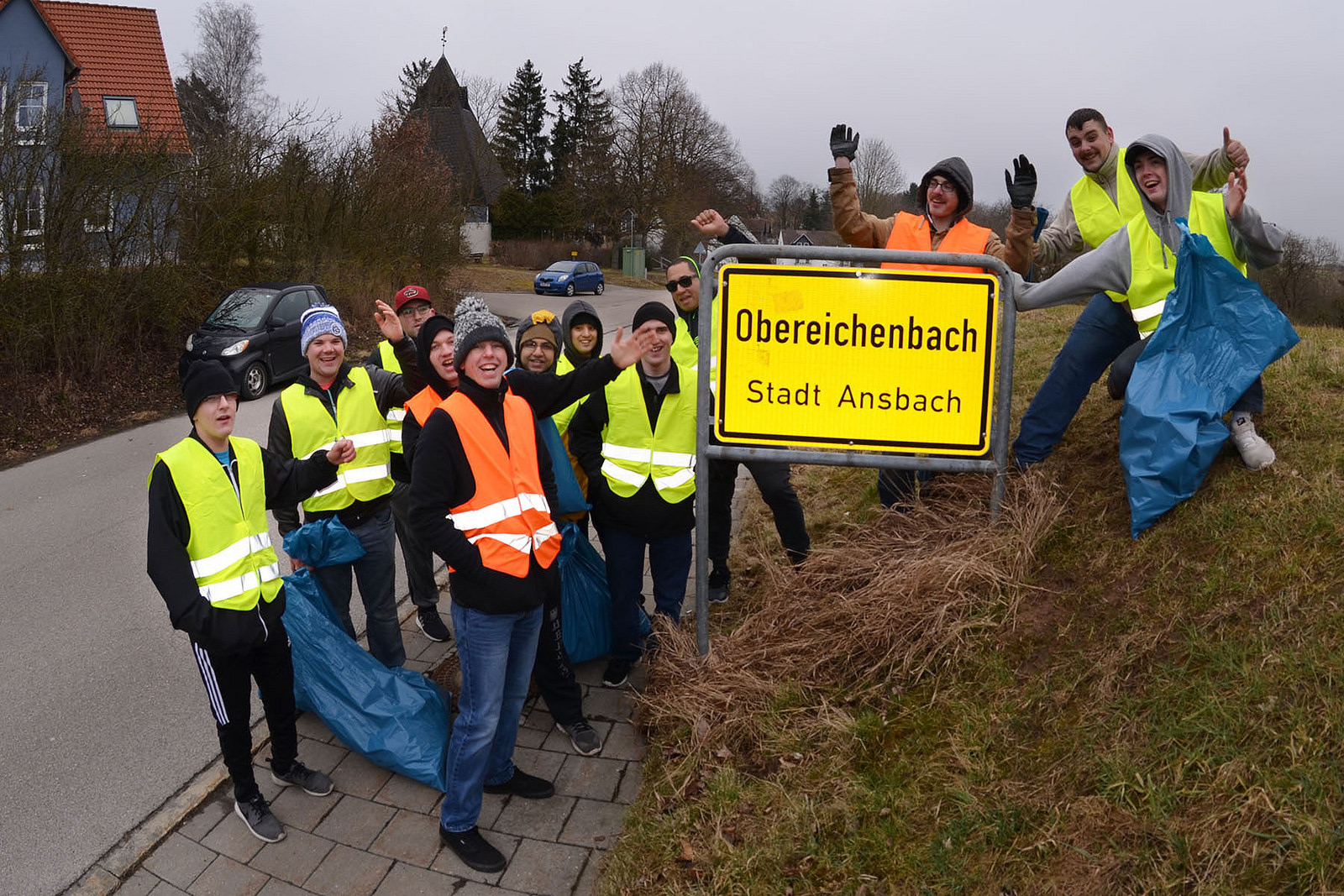 USAG Ansbach Soldiers pitch-in to help clean up local neighborhoods, roadways