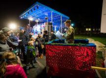 Tree lighting event kicks off holiday season in Ansbach