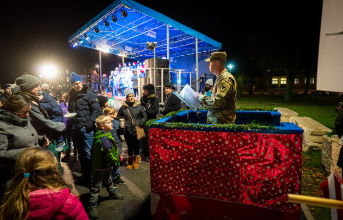 Tree lighting event kicks off holiday season in Ansbach