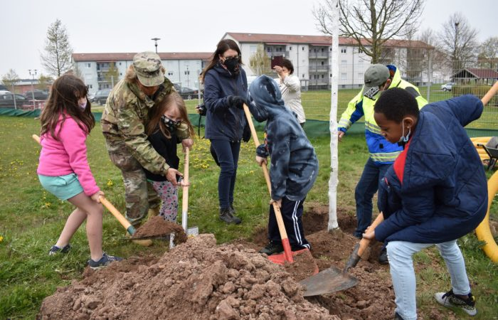 Ansbach celebrates Arbor Day with CYS children